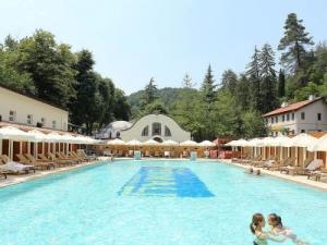 Горный курорт Ялова, термальные воды.