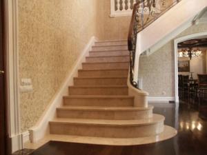 Столешницы подоконники лестницы камины с натурального камня