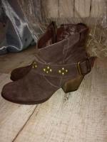 Натуральные замшевые ботинки, 37 размер