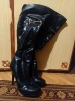 Продам черные сапоги на шпильке