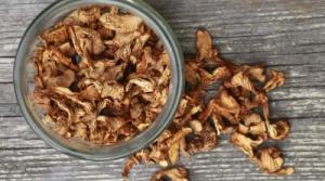 Продам Грибы Лисички сушеные,маринованные