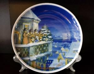 Продам Рождественские, фарфоровые, декоративные, немецкие тарелки.