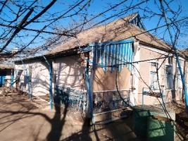 Продаю дом с земельным участком 8 соток в селе Новополтавка