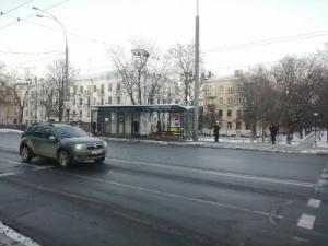 Сдаётся Остановочный комплекс ул. Вышгородская 12, 18м2 или половину
