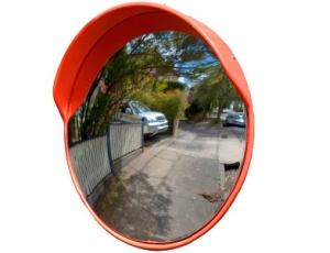 Сферическое универсальное зеркало безопасности Uni 450 с козырьком.