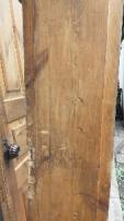 Входная  дверь  б/у  деревянная  двойная  с  луткой