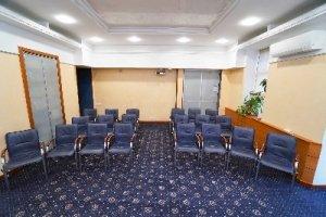 Конференц-зал (Тренінговий зал) в центрі Києва та кабінет погодинно