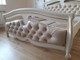 Ліжко із натуральної деревини дуба