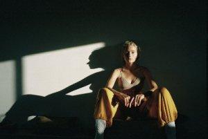 Портретная съёмка в помещении естественный свет